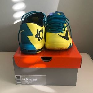 KD VI Sonic Yellow & MidNavy in BOX